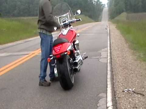 Suzuki M109R Modified Stock Exhaust Versus Roadhouse 4