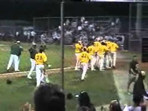 Tyler Thomas (Sophomore Woodbridge High School, Woodbridge ,VA) hits a three ...