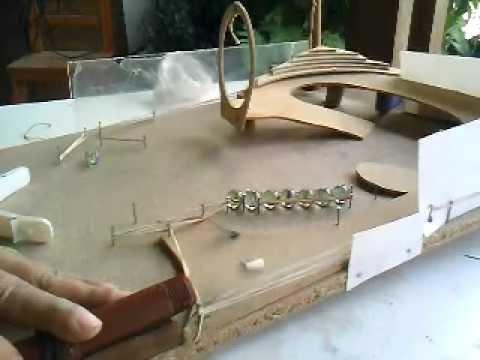 Pinball de madera casero youtube for Bar casero de madera