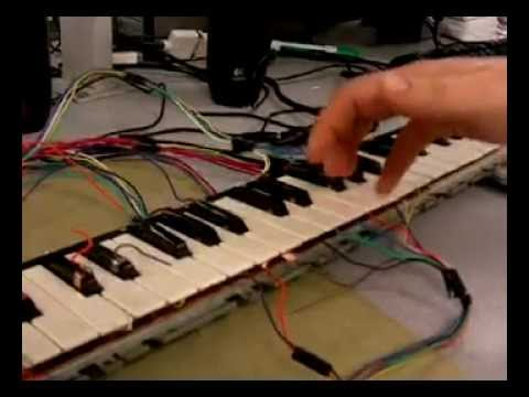 Keyboard synthesizer on FPGA
