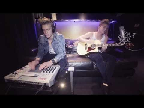 CODY SIMPSON - Pretty Brown Eyes [Alternate Video]