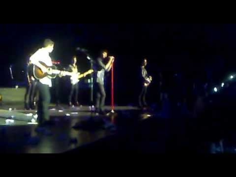 Jonas Brothers - Hello Beautiful + Tonight We Are Young (08.11.12 moscow, Russia) video