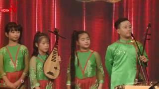 Những thiên thần nhí với màn trình diễn nhạc cụ dân tộc độc đáo.