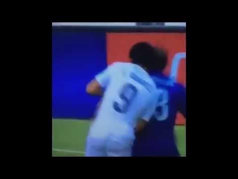 """""""Luis Suarez"""" BITES """"Giorgio Chiellini"""" — ITALY 0:1 URUGUAY —  WM 2014 BITE ALMOST DEAD! —"""