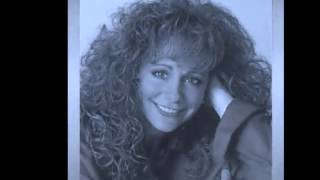 Watch Reba McEntire How Blue video