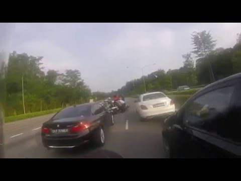2016 04 05 PIE to Tuas after Adam Road Exit Accident
