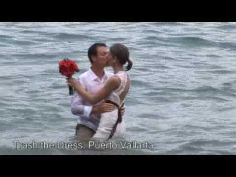 Al Diablo el Vestido de Novia Boda en Playa. Trash the Dress Puerto Vallarta
