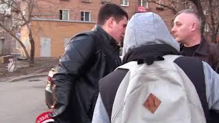 Стопхам Девушка вышла с мужчиной с москвы)))