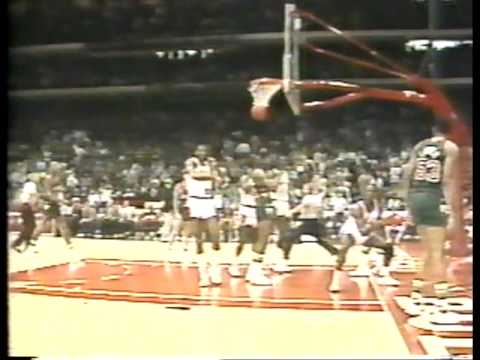 MICHAEL JORDAN: His third NBA game   [37pts vs Bucks-1984.10.29]