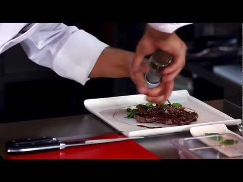 Zdrowa Kuchnia Beef Master - Stek Z Antrykotu Z Sokiem Limonkowym I Smażonym Ananasem