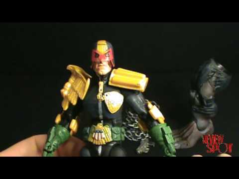 Toy Spot - Legendary Comicbook Heroes: Pitt Series, Judge Dredd Figure