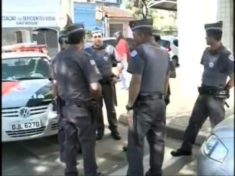 SBT - Entrada dos Carros de Lenha em S�o Roque, ativistas s�o detidos