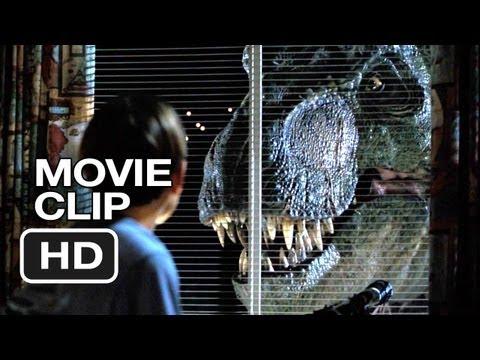 The Lost World: Jurassic Park (8/10) Movie CLIP - Backyard Dino (1997) HD