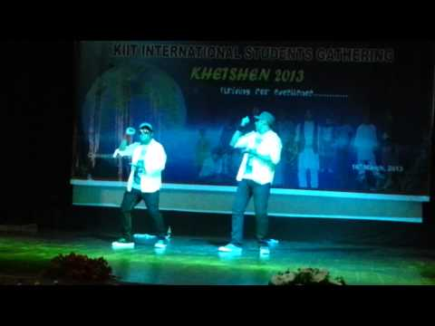 Splendid Dance Performance By Bangladeshi Kiitians  Kiit University (16-03-2013) video
