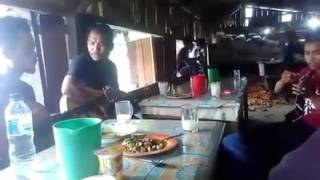 Pulanglah uda.lagu padang dinyanyikan orang batak (Parbalohan Trio).Rendang Rasa Saksang.