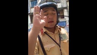 """CSGT Tân Sơn Nhất dùng biển báo che khuất """"bẫy"""" người dân!"""