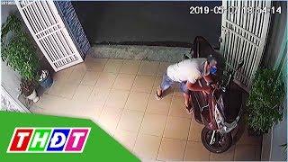 Trộm vào tận nhà đang có chủ bẻ khóa cuỗm xe máy | THDT
