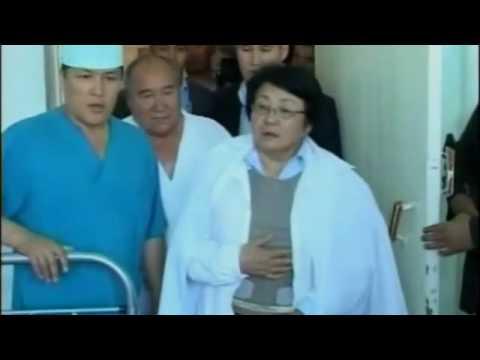 Kyrgyzstan - La presidente Roza Otunbayeva visita i profughi di Osh