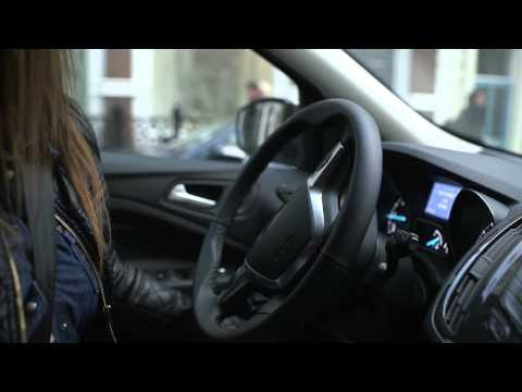 Ford Kuga (2013) Asistente de aparcamiento