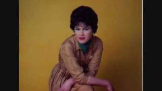 Watch Patsy Cline Does Your Heart Beat For Me video