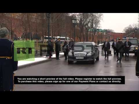 Russia: Putin lays wreath of remembrance on Defender of the Fatherland Day