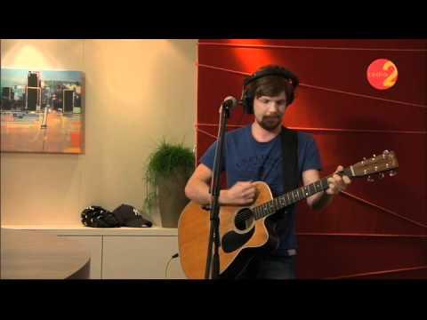 Jelle Cleymans - 'En een kameel' (Live in Radio 2 Studio)