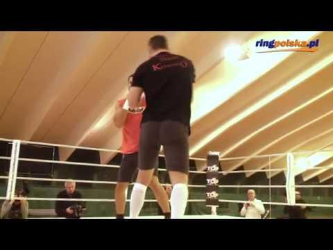 Братья Кличко впервые вышли на ринг друг против друга.