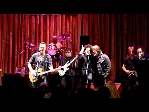 Because the Night - Bruce Springsteen Joe Grushecky Willie Nile John Eddie Garland Jeffreys