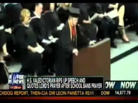 Valedictorian Rips Up Preapproved Speech, Recites Prayer Instead