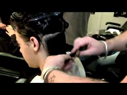 Harry Styles Gets a Haircut.flv