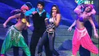 Download video muja muja stage kareena  hQ song by kamran khan from sakhakot (K.M).mpg