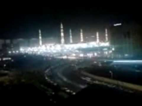 miracle in masjid nabvi noor of rasoolullah S.A.W  at about 35 seconds