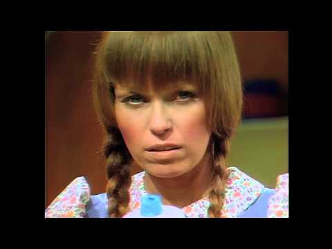Mary Hartman, Mary Hartman (1/4) Waxy Yellow Buildup (1976) HD