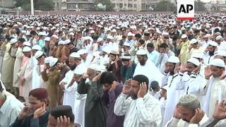 Download Eid prayers and celebrations in Pakistan, China and Bangladesh 3Gp Mp4