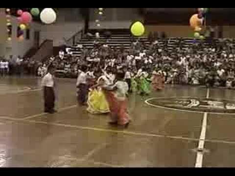 Montse bailando el Son de la Negra