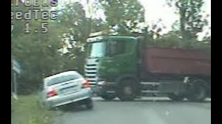 Mercedes C180 Police chase, trucker TRIES to HELP to stop it! Learn from Active Driving Encounters