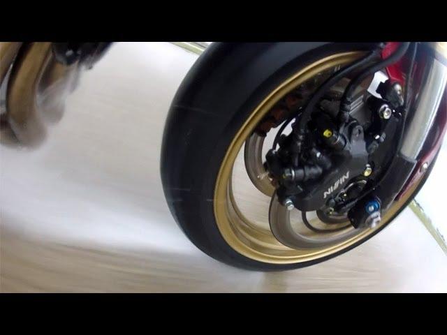 Vid�o Comparatif pneu moto : Voici le meilleur pneu moto routier sport GT (sur le mouill�) !