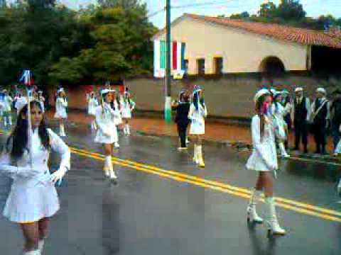 Desfile estudiantil CONADOMI Tobati 2011
