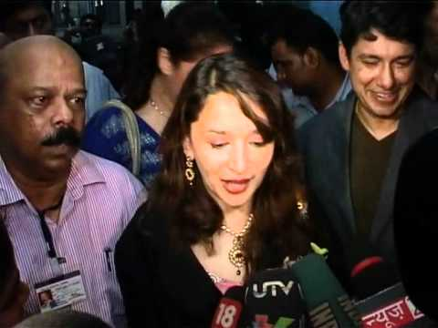 Bollywood World - Madhuri Dixit Shifts To India video