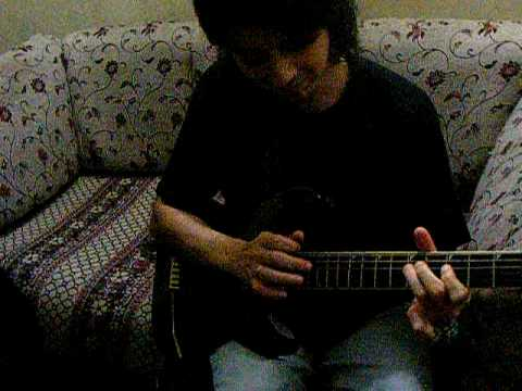 Faraz anwar playing Autumn Madness Live under ma hood-Waasay