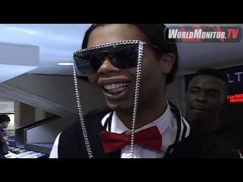 Bed Intruder Song  Antoine Dodson  arrives at LAX amidst  Media frenzy!