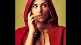 Monica Bellucci sex bomb