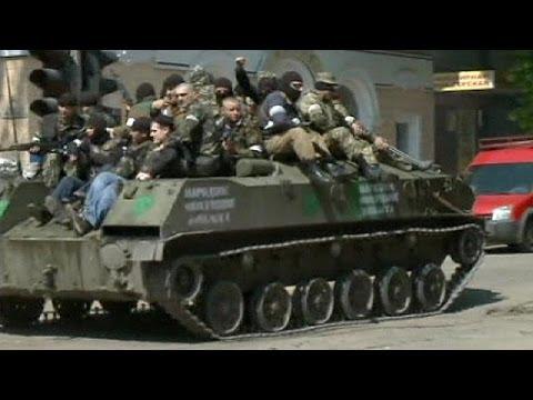 Ucraina: esercito circonda Sloviansk, si combatte alle porte della città