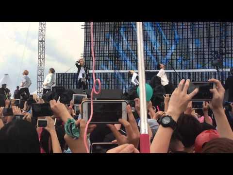 Malaysia F1 post race concert - Sherlock SHINee