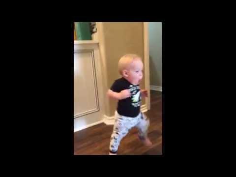 赤ちゃんのリアクション。和む映像♪