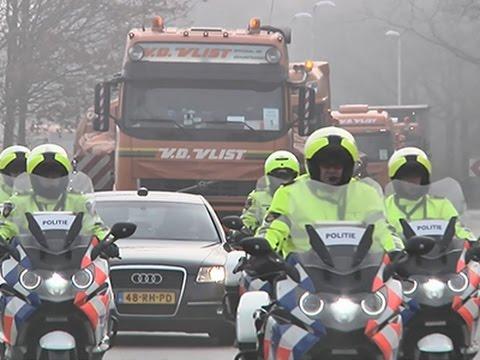 Raw: Flight MH17 Wreckage Arrives at Dutch Base