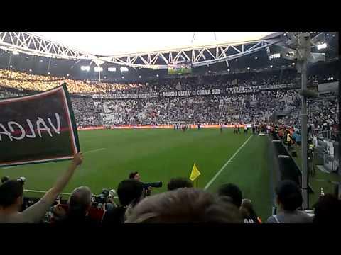 Juventus-Cagliari 1-1 09.05.2015 - Fine partita (INNO e GIRO di CAMPO)