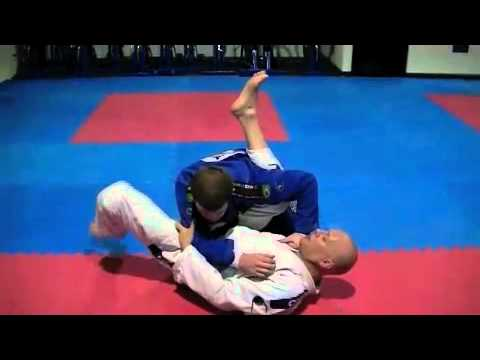 Closed Guard Flower Sweep (Inside Grip).m4v Image 1