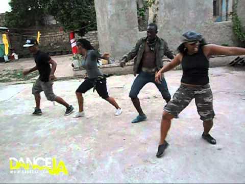 Dream Team Dancing To Aidonia's- la La Land video
