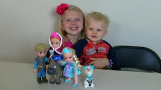 Disney's Frozen Deluxe Collector Set Unboxing and Funny Playtime Scene